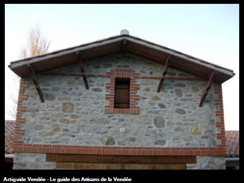 Habillage briques sur la partie étage du garage - Le Vieil